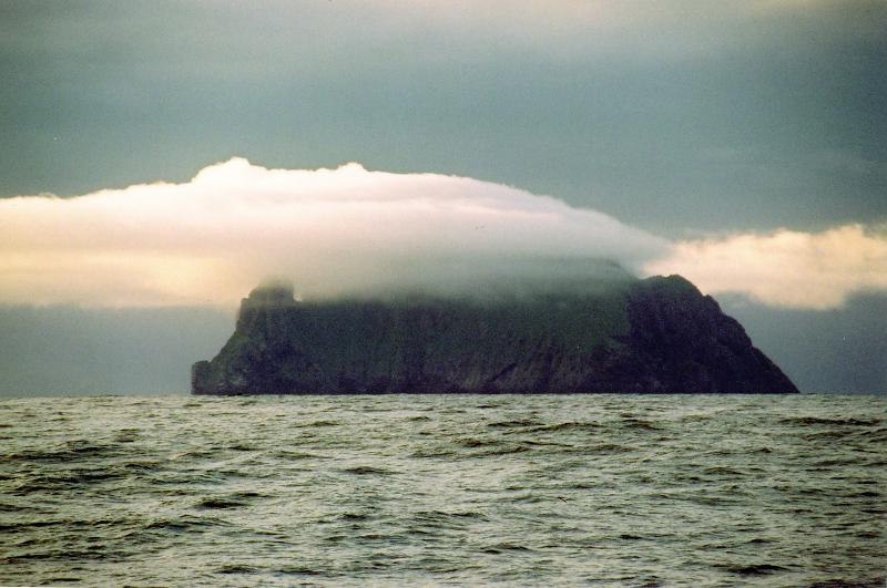 low cloud over boreray st kilda - arek swietlicki