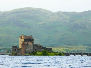 Eilean Donan Castle by Liz Hamilton